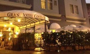 Enter the Gran Hotel Costa Rica through here.